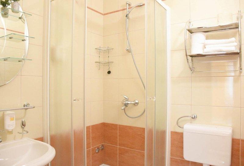 A101 (2 + 2): banheiro com vaso sanitário