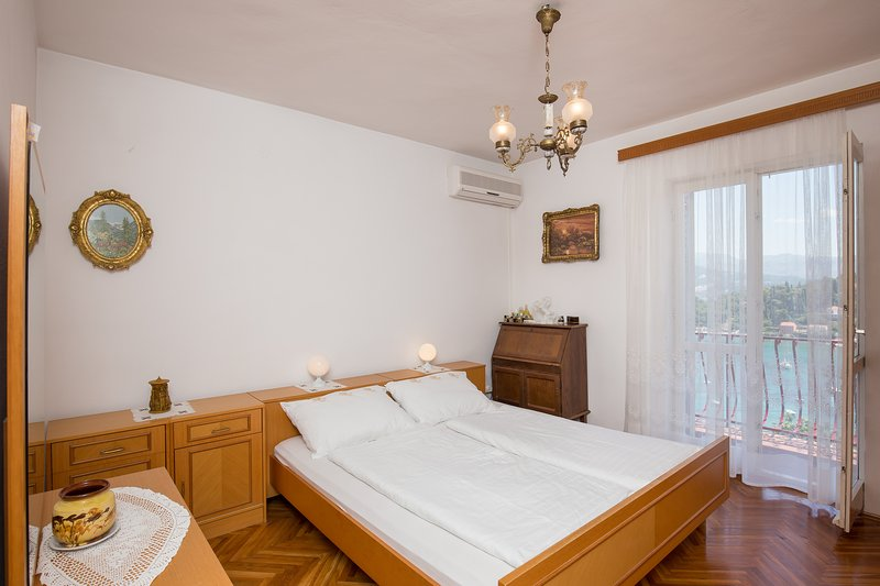 Guest House Oreb - Rustical Double Room, holiday rental in Kolocep Island