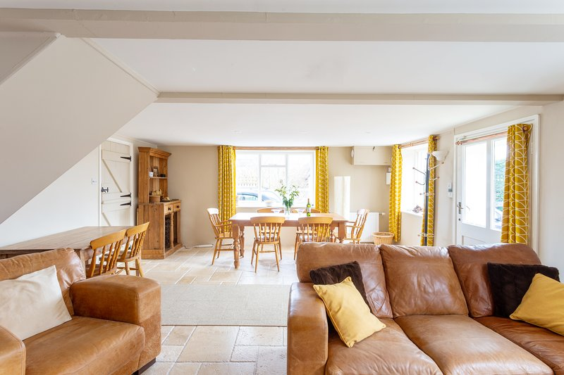 Barn Cottage, Chideock - set in an area of outstanding natural beauty, Ferienwohnung in Bridport