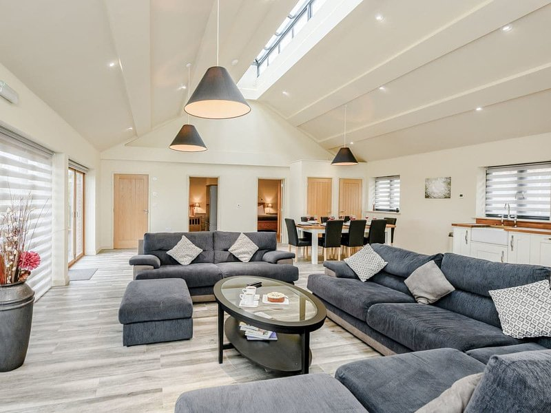 Holton Barn-UK12455, holiday rental in Badingham