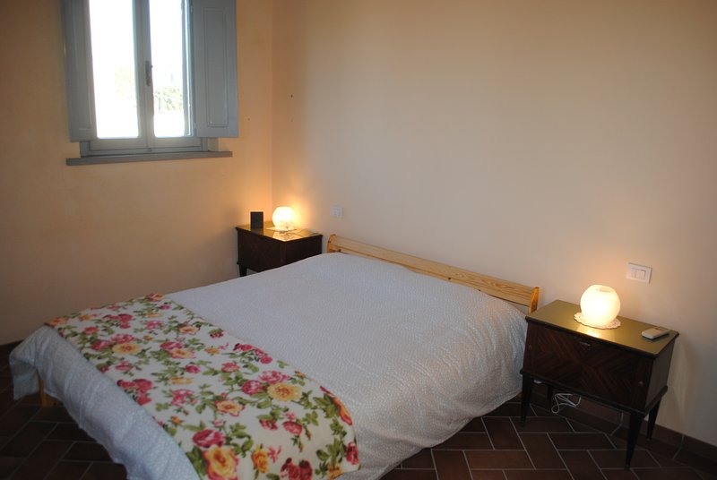 Apartment for two people with private parking., holiday rental in Galluzzo
