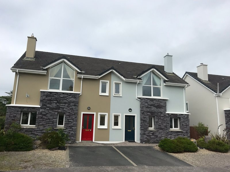 3 bed holiday home in stunning Valentia, Kerry, location de vacances à Valentia Island