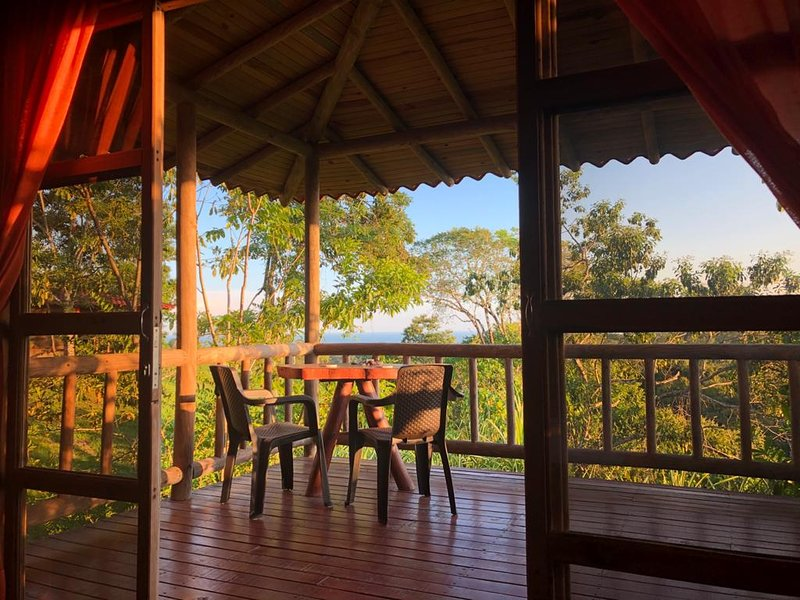 Mountain Top Retreat Above Montezuma, holiday rental in Montezuma