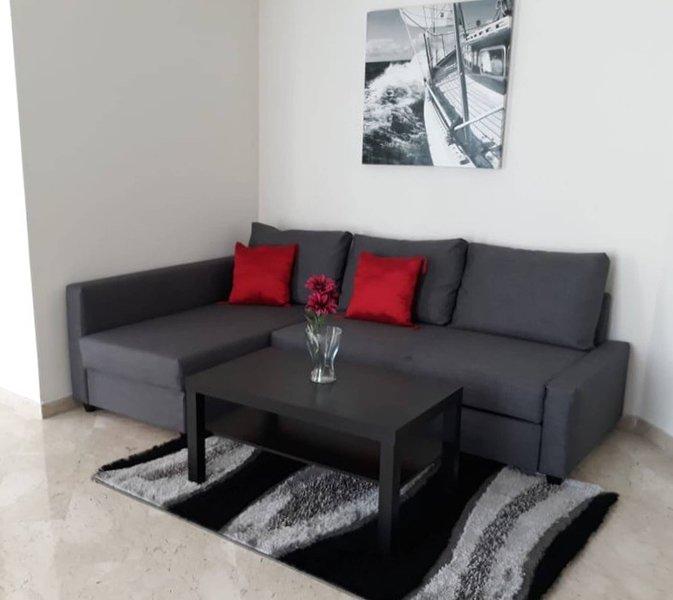 Fantastic Fully Furnished Apartment Oasis, alquiler de vacaciones en Nouaceur