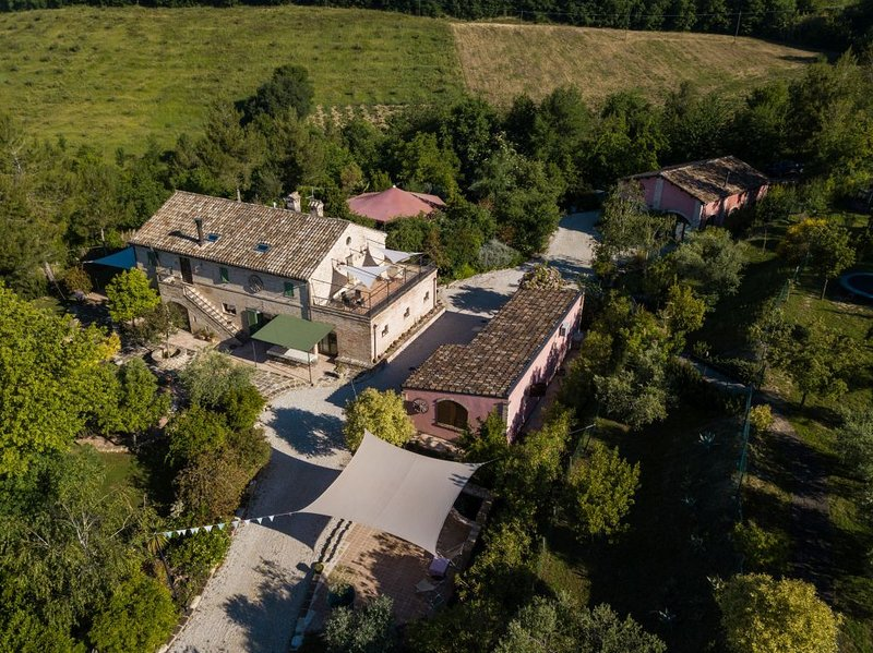Pomegranate House, holiday rental in Monte Giberto