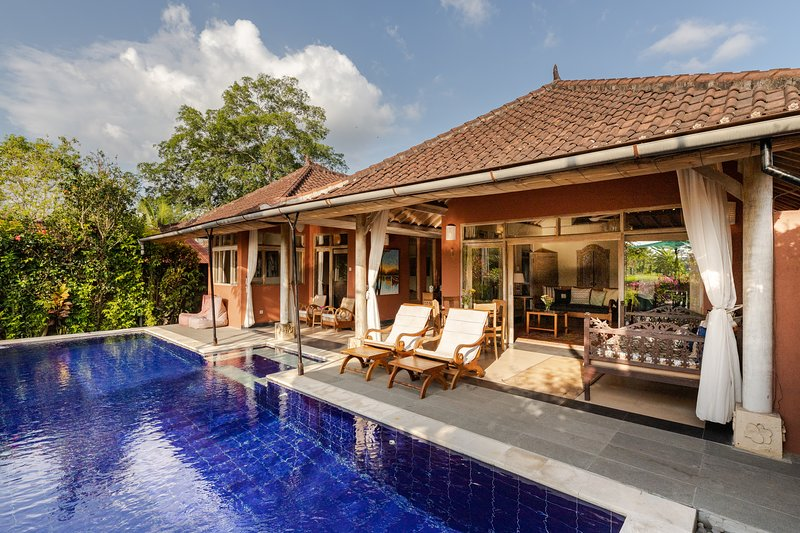 Devi's Place Ubud - Private Villa Bella with rice field views, pool, wifi, holiday rental in Sayan