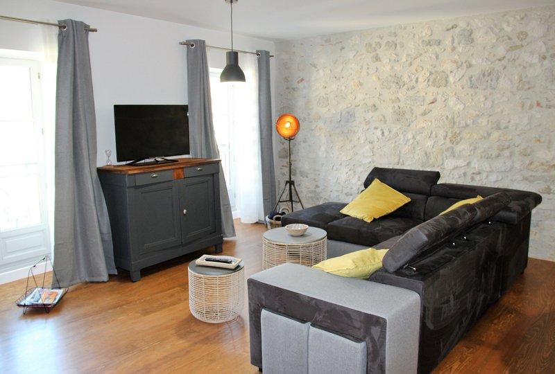 Les gîtes du château - L'appartement du roi, holiday rental in Montagnac-sur-Auvignon