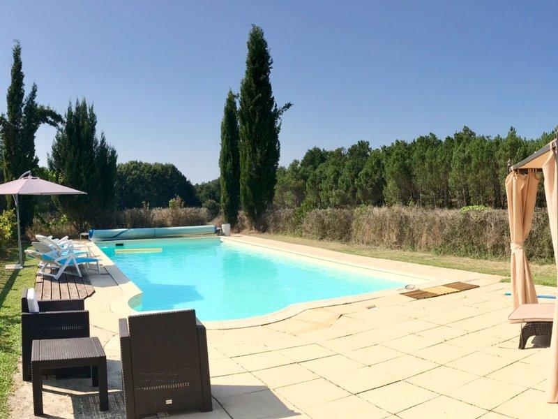 Chez Louis Gites - La Lavande - 2 bedroom 2 bathroom - Pool, location de vacances à Condezaygues