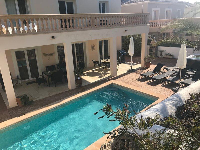 Villa Maria in Cala Murada: Pool + Whirlpool, Beach in 500m - WiFi, location de vacances à Calas de Majorca