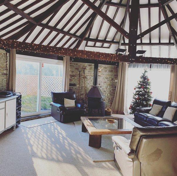 Cornwall Cottage Holidays, A cluster of 5 cottages, aluguéis de temporada em Widemouth Bay