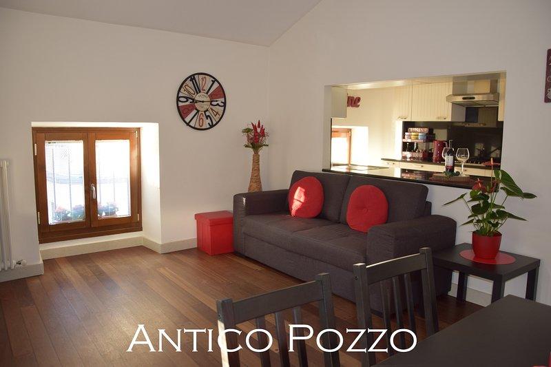 Antico Pozzo Apartment- historical centre, alquiler vacacional en Riva Del Garda