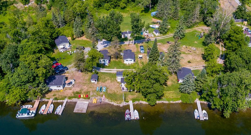 Water Front Cottage for rent, aluguéis de temporada em Lakefield