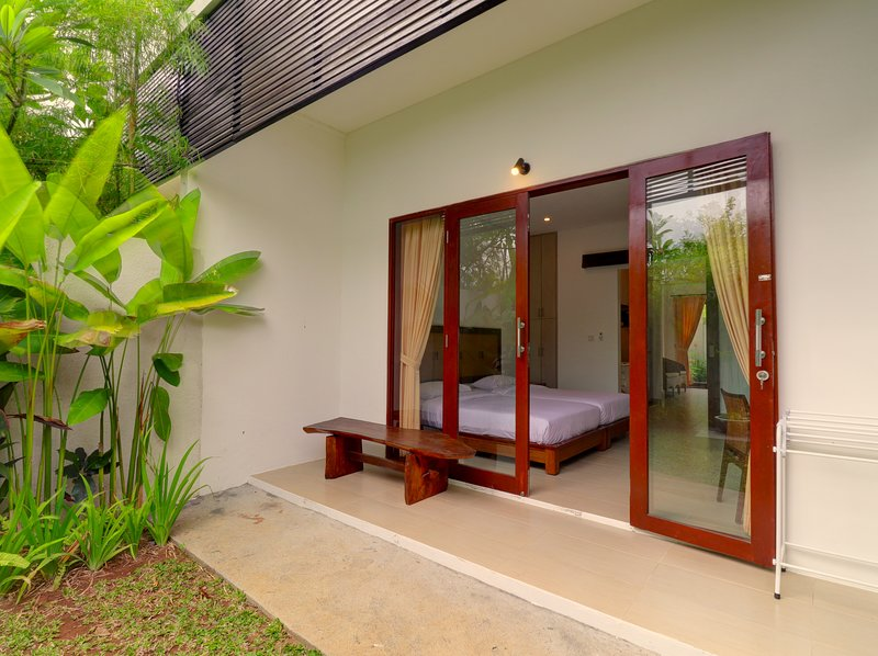 Sanur Private room  107 with terrace & kitchen, holiday rental in Sanur