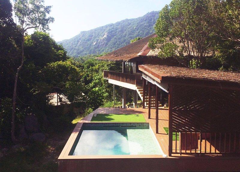 Canopy village: Stunning Sea View Jungle Eco-House, holiday rental in Ko Pha-ngan