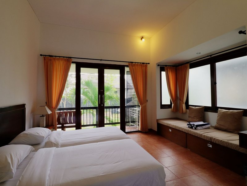 Sayang Sanur Resort Terrace House Room  205 with balcony & kitchen, holiday rental in Sanur