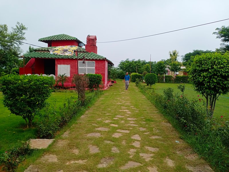 An Authentic Village Farm, Ferienwohnung in Orchha