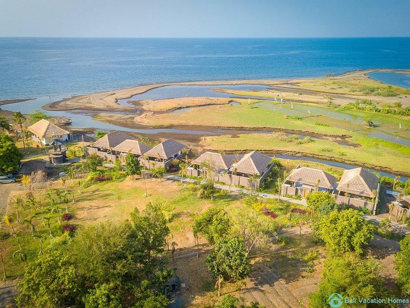 Villa Manik Segara (3): DeLuxe 1 bedroom villa ocean view 120sqm, Ferienwohnung in Umeanyar