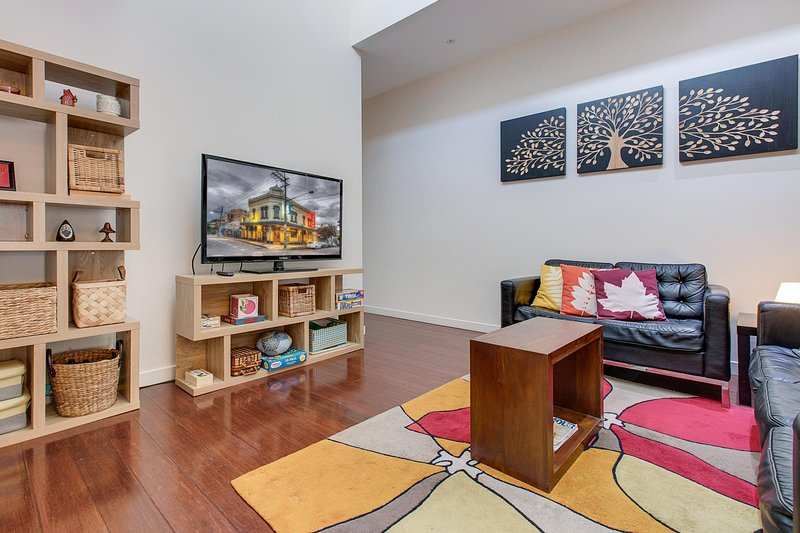 Bright and airy home tucked away in funky Newtown, holiday rental in Summer Hill