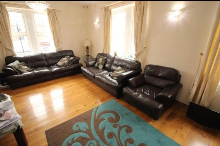 Remarkable 4-Bed Apartment, holiday rental in Wylam