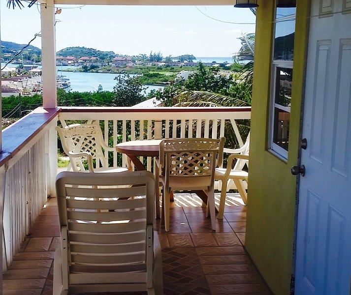 Cozy and Breezy sea view apartment, location de vacances à Antigua et Barbuda