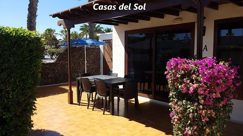 Villa on the complex of Casas del Sol (V4), vacation rental in Playa Blanca