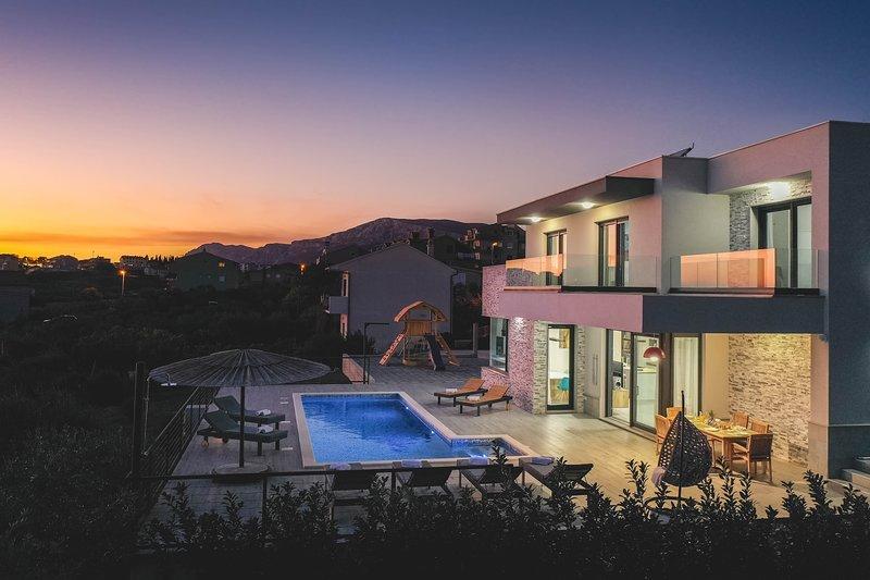 Luxury Villa Morena with heated pool Family Resort, vacation rental in Split
