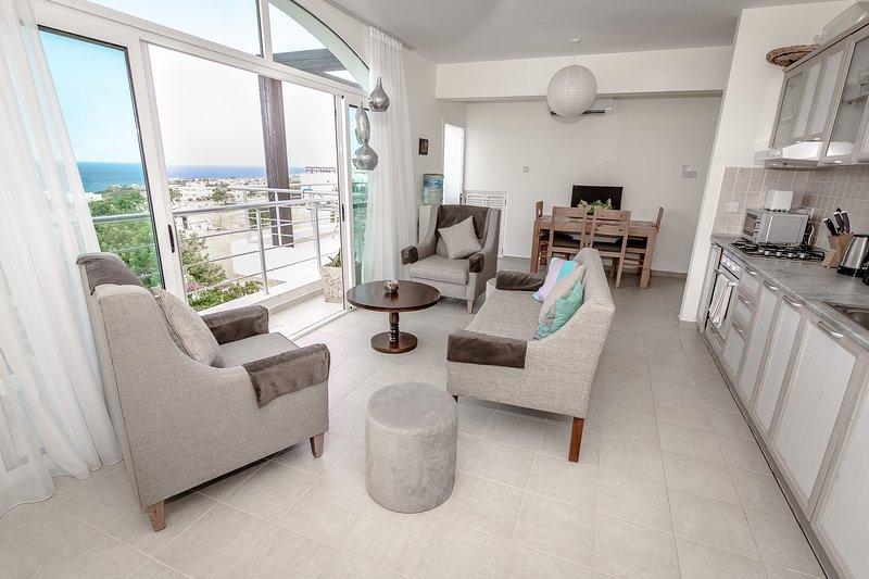 Joya Cyprus Moonlit Penthouse Apartment, holiday rental in Bahceli