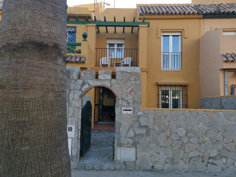 Preciosa casa adosada en Tarifa, playa los Lances, holiday rental in Tarifa