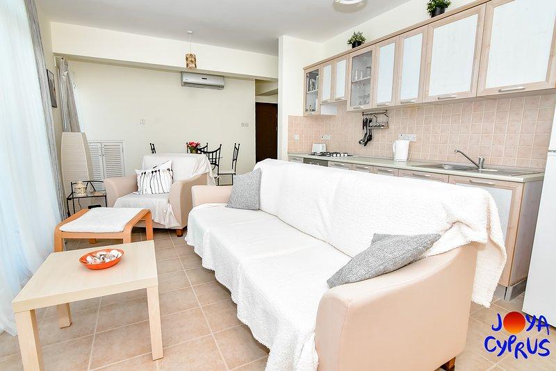 Joya Cyprus Magnolia Penthouse Apartment, holiday rental in Bahceli