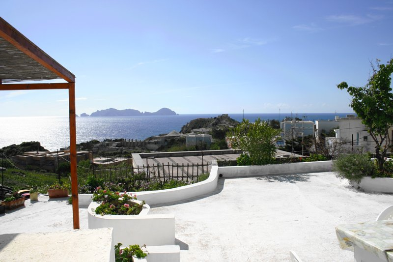 Nice apartment with sea view & Wifi, holiday rental in Ponza Island
