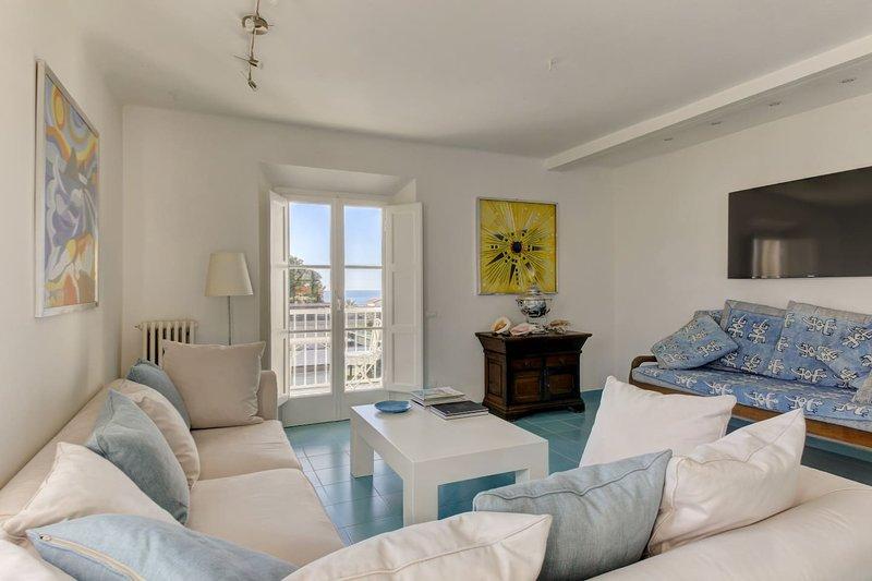 Spacious apartment with sea view, casa vacanza a Forte Dei Marmi