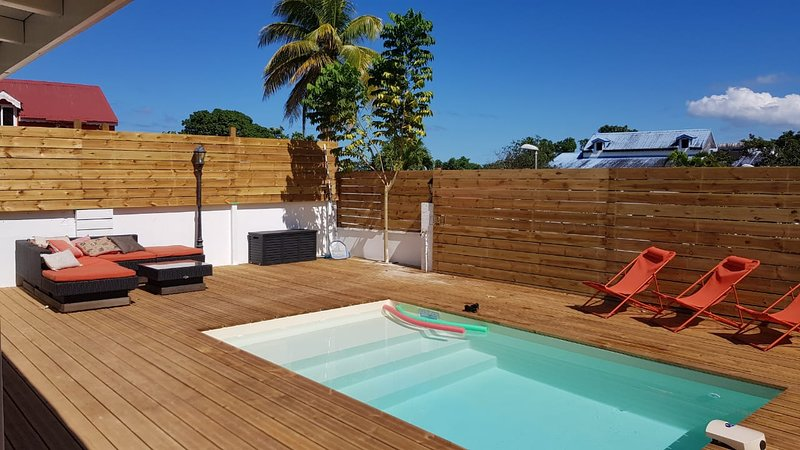 'Chez Lauvineth' bungalows, piscines, barbecue, forêt tropicale, rivière, holiday rental in Sainte Rose