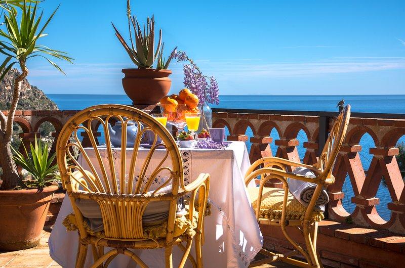 PANORAMIC VILLA WITH 4 BEDROOMS, vacation rental in Santa Flavia