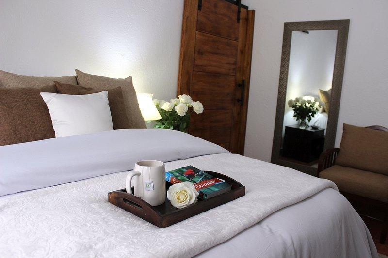 All-Inclusive Rustic Farm Suite - 1 Bedroom, location de vacances à Tababela