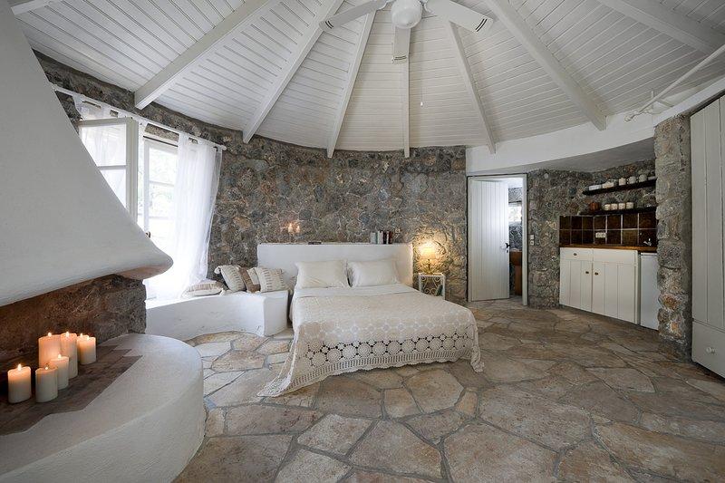Chlomos Villa Sleeps 2 - 5825204, location de vacances à Mpoukaris