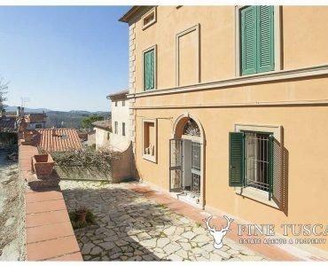 villa su due tre piani, holiday rental in Orciano Pisano