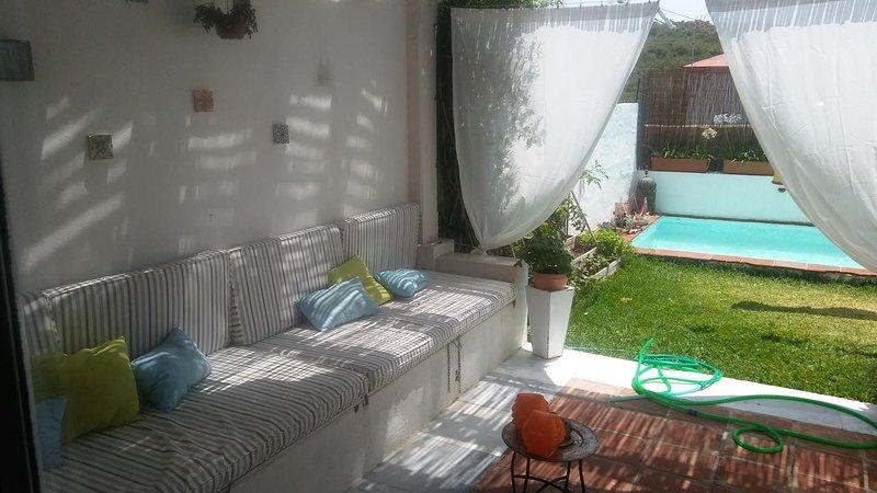Beautiful villa with swimming-pool, casa vacanza a Sandy Bay