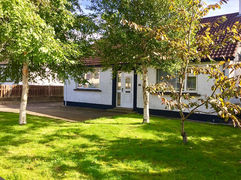 Coolfinn Cottage, vacation rental in Armoy