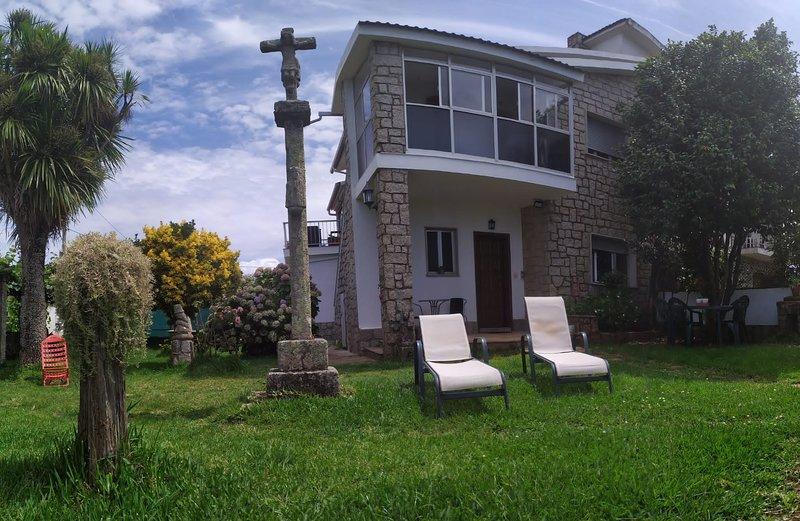 chalet con jardin playa montalvo,sanxenxo,Pontevedra, alquiler de vacaciones en A Lanzada
