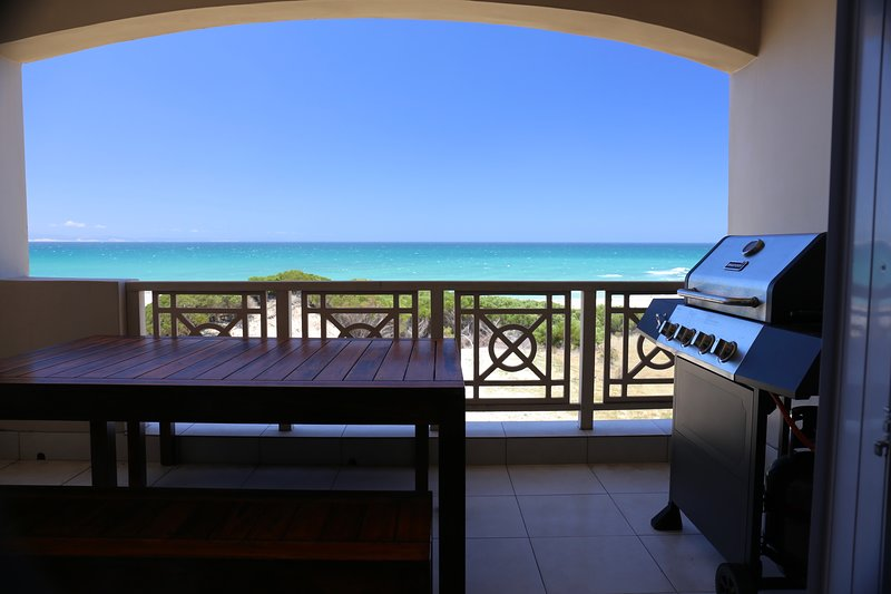 Milkwood 314: Self- catering apartment on the beach - sleeps 6, holiday rental in Saint Francis Bay