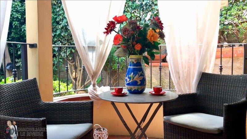 Nice apartment near the beach, holiday rental in Laigueglia