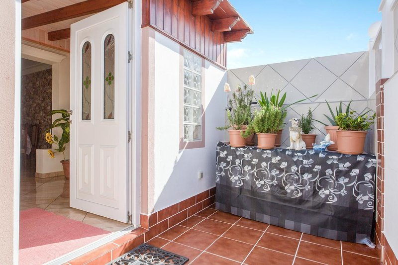 Beautiful house with terrace & Wifi, holiday rental in La Pared