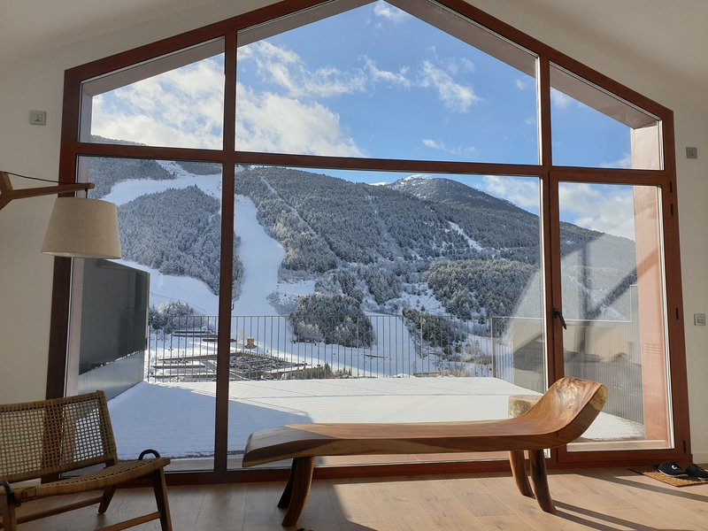 Luxury Chalet El Tarter, Andorra - Best Views in Grandvalira - by Kabano Rentals, location de vacances à El Tarter