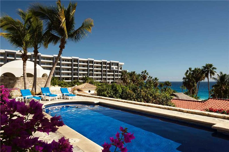 Family/Group Vacation, Walking Distance to Beach at Villa Oceano, 2 BR, holiday rental in Cabo San Lucas