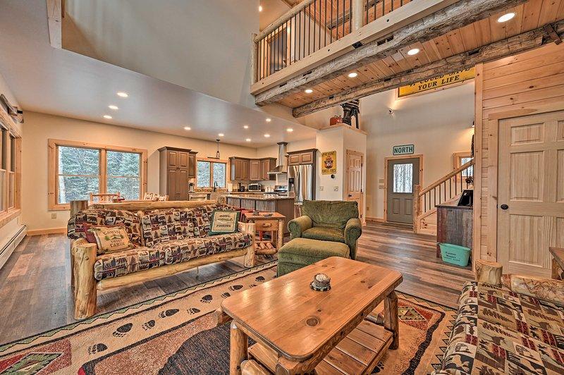 Dieses Haus mit 4 Schlafzimmern und 2,5 Bädern ist perfekt für 10 Gäste.
