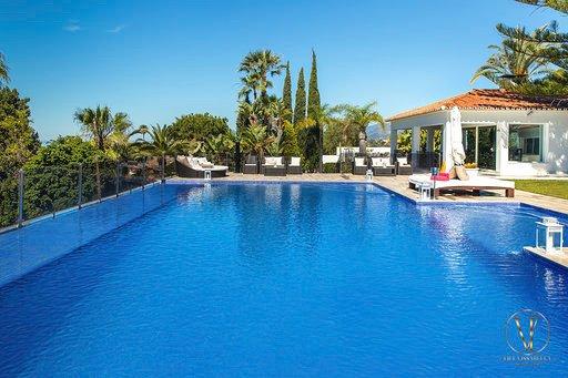 Villa Issabella | Luxury 5* Villa | Spain, Malaga, Marbella, Elviria.., casa vacanza a Elviria