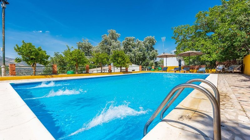 El Masegal, wifi, tenis,pool, BBQ,center Andalucia, vacation rental in Carcabuey