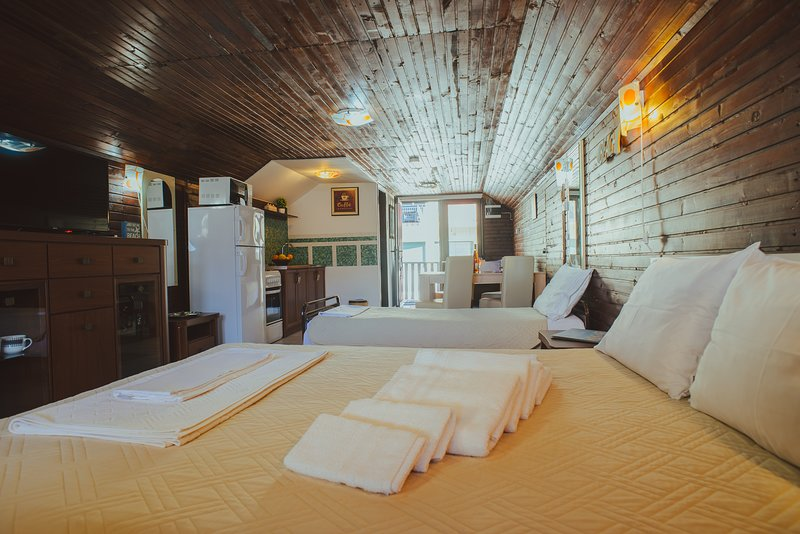 Third Floor Apartment, location de vacances à Dobra Voda