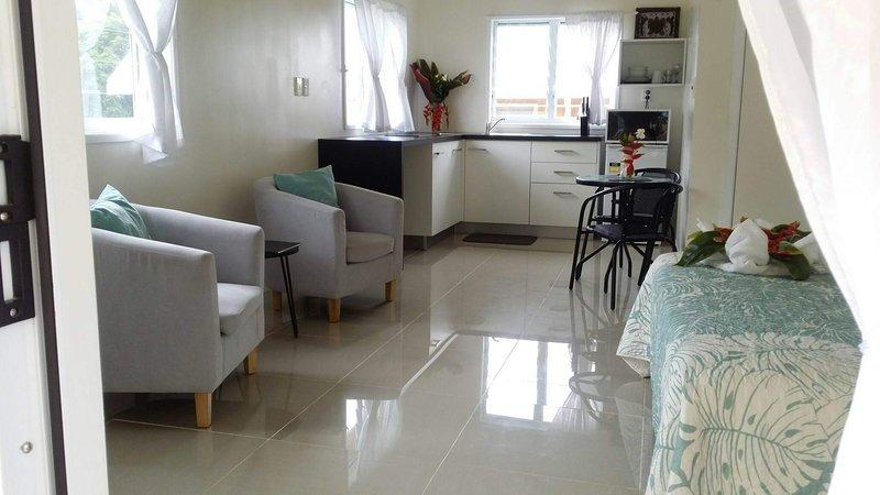 Raukura Holiday Homes Island Escape, holiday rental in Muri
