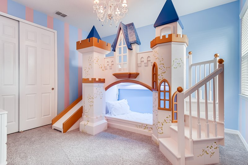 Near Disney, 5 Star Princess Themed Home and Resort, alquiler de vacaciones en Kissimmee